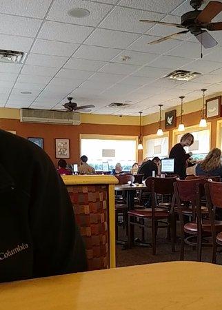 DeWitt, NY: Dinning area