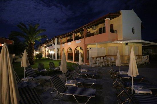 Roda Oasis Hotel & Apartments