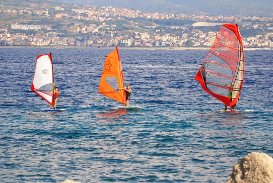 ‪Windsurf Club Messina‬