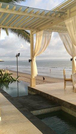 The Seminyak Beach Resort & Spa: IMG_20161105_174200_large.jpg