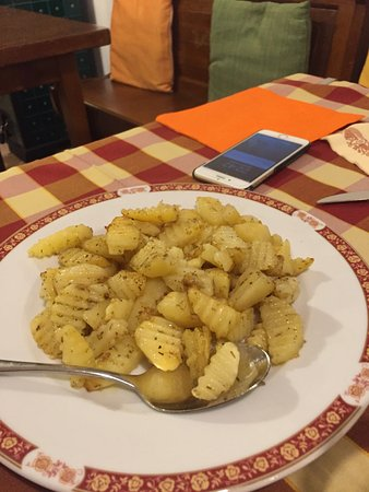Villimpenta, Italy: Patate al forno