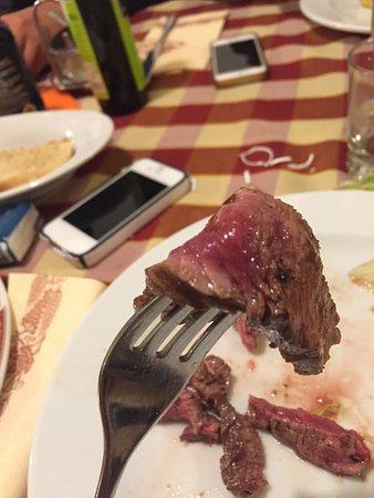 Villimpenta, Italy: Particolare della cottura della tagliata di manzo...