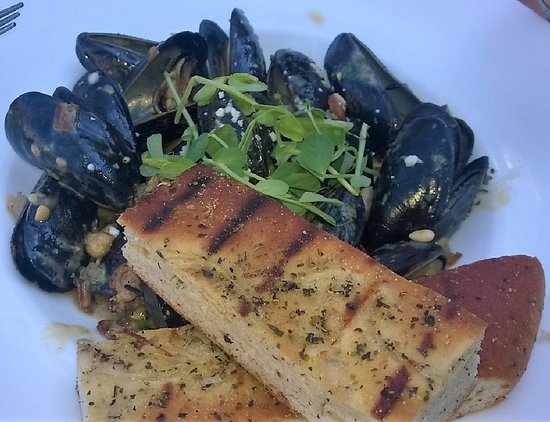 the mill cider braised mussels