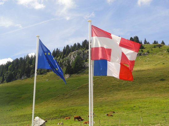 Haute-Savoie, France: drapeau de Savoie