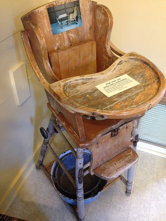 Valemount, Canada: The Potty High Chair ;-)
