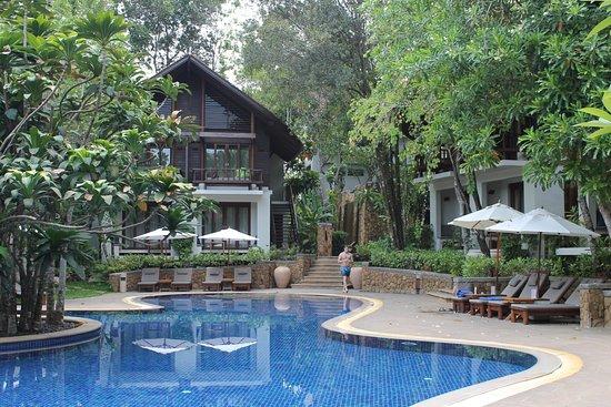The Tubkaak Krabi Boutique Resort: Pool area, day
