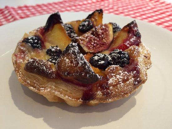 Great Dunmow, UK: Autumn fruit tart