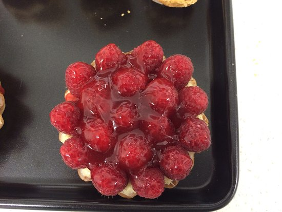 Great Dunmow, UK: Raspberry tart