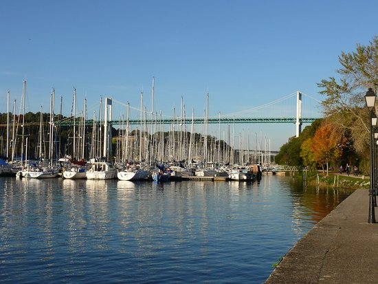 Le Port De Plaisance Picture Of Rocher De La Roche Bernard La