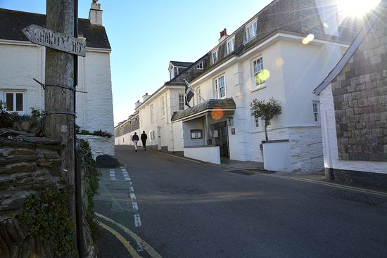 St Mawes, UK: Reception is on this narrow road. Residents parking up the hill to the left of shot.