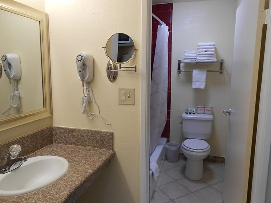Bathroom Vanities Kansas City bathroom & vanity area - picture of best host inn plaza kansas