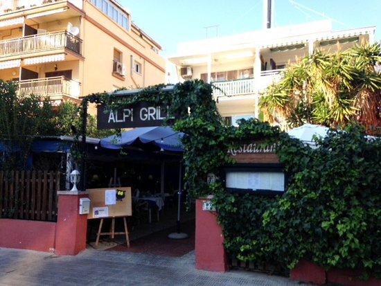 Segur de Calafell, España: Entrada