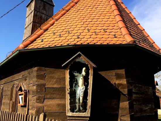 Sisak, Croazia: chiesa di legno di Letovanić, il Cristo
