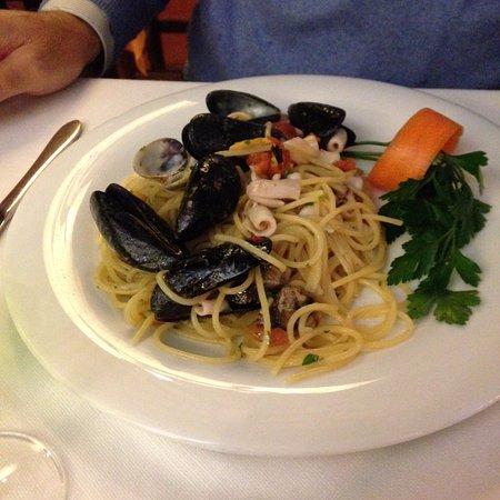 Santa Maria del Giudice, Italia: Spaghetti allo scoglio.