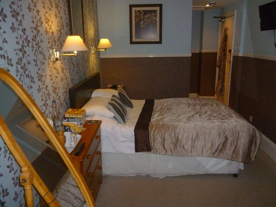 Southbank Hotel: Our standard double room on the first floor. A lovely comfortable room, with everything provided