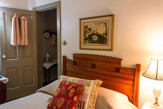 Cedarburg, WI: Room 4