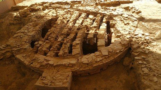 Sallèles-d'Aude, Frankrig: Ruines et vestiges d'un four