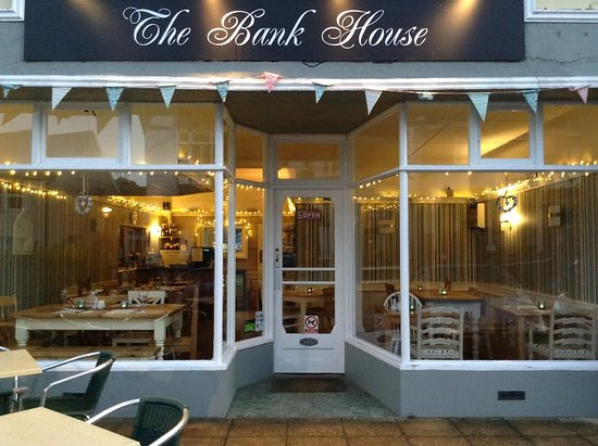 Charmouth, UK: Now open Saturday evenings from 6.30pm