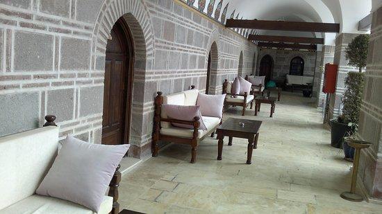 Kanuni Kervansaray Historical Hotel : beside room