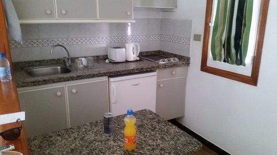 Bungalows Vista Oasis Apartments: Kitchen