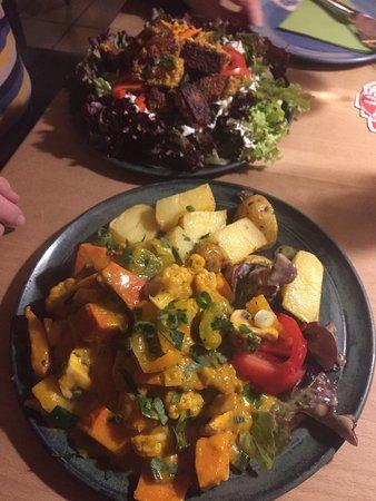 Restaurant Kornblume : Curry-Kürbis-Gulasch mit Kartoffeln