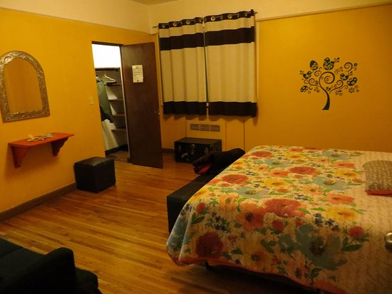 Chillout Flat Bed & Breakfast: The Satsanga Room