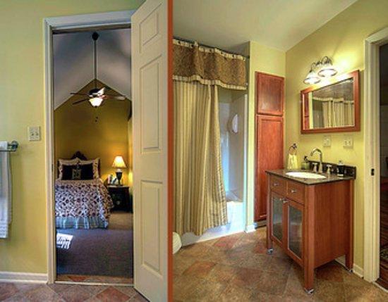 Council Grove, KS: Bradford Suite bathroom
