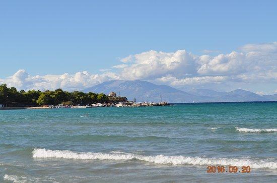 Tsilivi Beach Hotel: Widok z plaży na Kefalonię