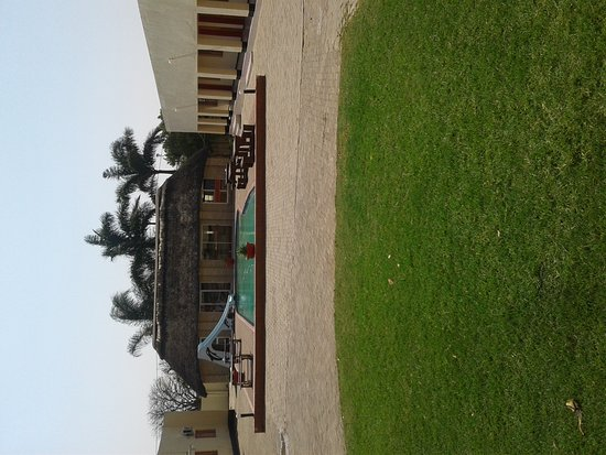 Francistown, Botswana: Clean place. Some of the features need update but they keep it really clean and the staff are ve