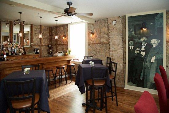 Cedarburg, WI: 520 Social Stop - Guest Pub