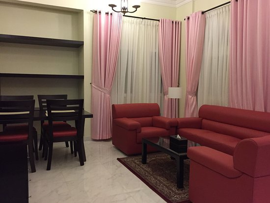 Wohn /Esszimmer One Bedroom Royal Suite   Picture Of Remas Hotel Suites,  Seeb   TripAdvisor
