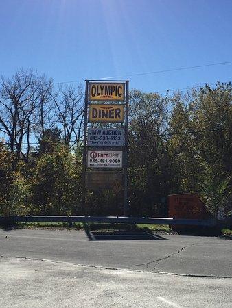 Kingston, NY: road signage