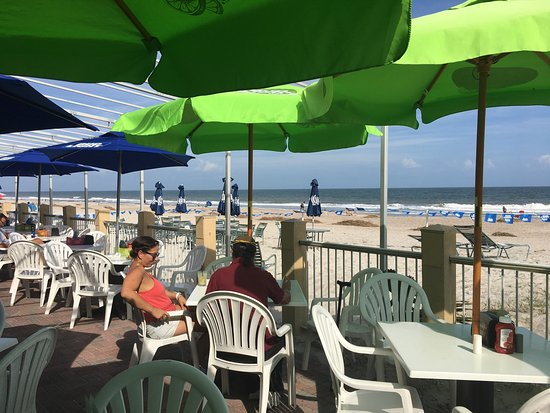 Sandy Bottoms Beach Bar & Grill: photo0.jpg