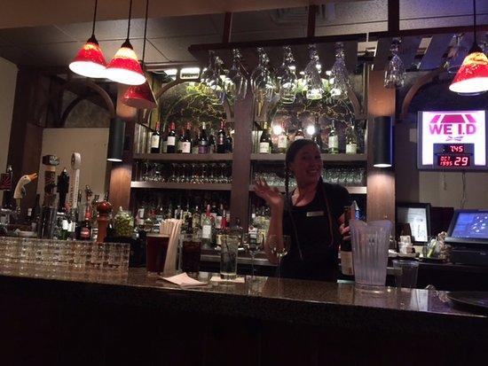 Fontana Dam, Северная Каролина: Great bartender!!