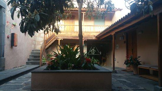 Hotel Rural El Mondalon: 20161019_184448_large.jpg