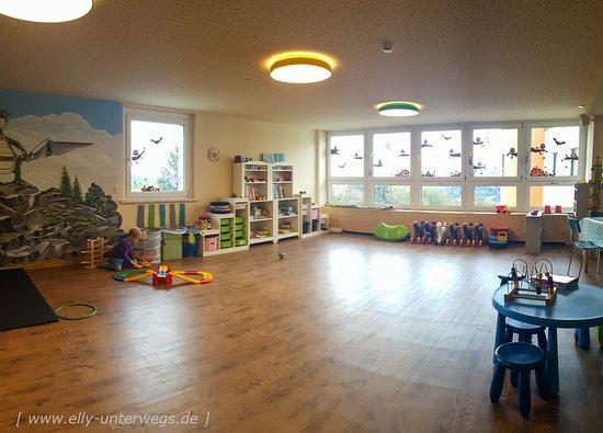 Elldus Resort: FIPS Kinderwelt - das Spielzimmer an der Rezeption