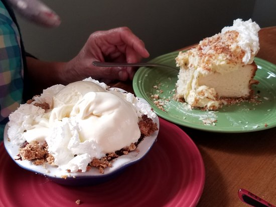 Kenai, AK: You might want to just go for desert.....outrageously delicious. WE made several stops here.