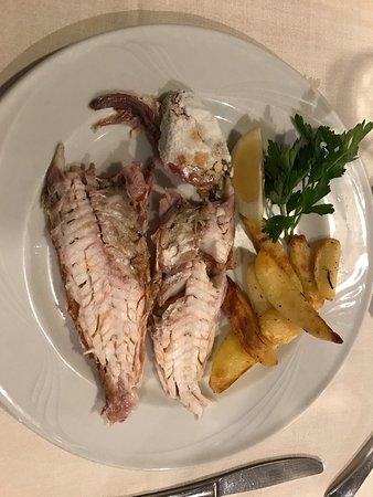 San Gavino: Salmonete a la Sal y Pannacotta. Ticket de una cena individual.