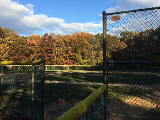 Eatontown, NJ: baseball field