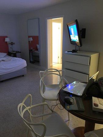 Winterset Hotel: Room 205 pictures - Nov 2016