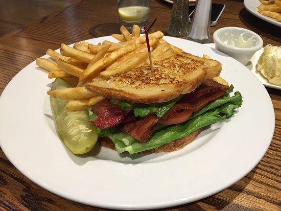 Whiskey Creek Restaurant : photo0.jpg