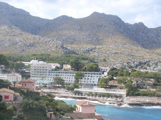 Great Hotel with stunning coastal hillside views