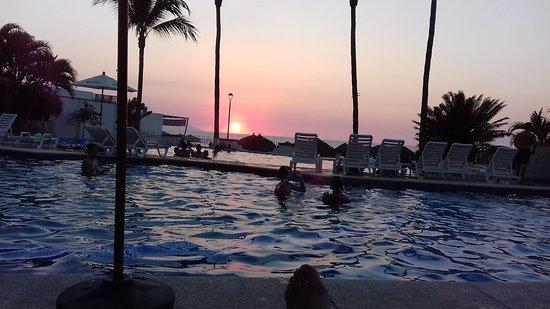 Tropicana Hotel: 20161103_181904_large.jpg