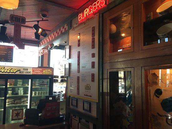 Portillo's Hot Dogs: photo4.jpg