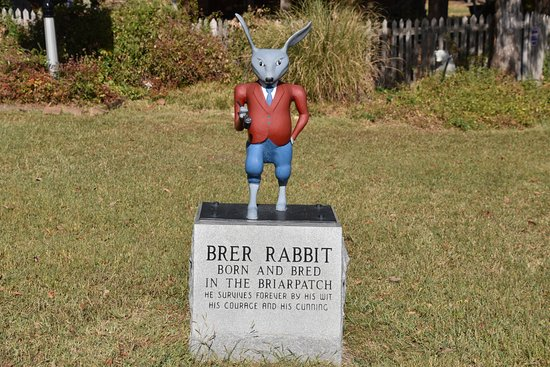 Uncle Remus Museum: Brer Rabbit Statue