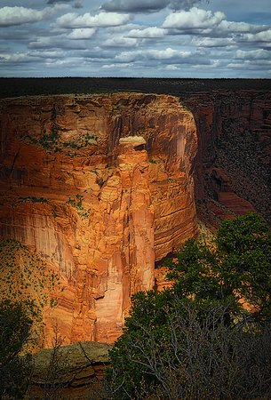 Canyon de Chelly National Monument: A view from the SOUTH loop.