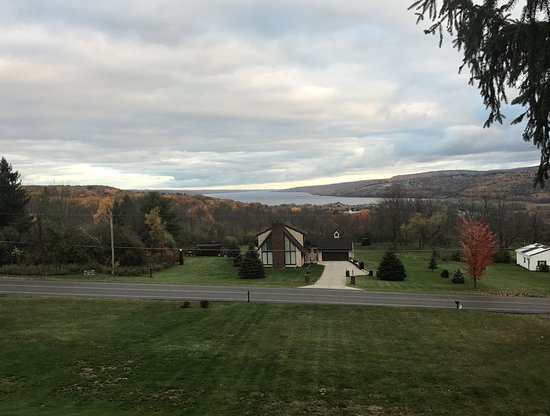 Montour Falls, Estado de Nueva York: Beautiful view of Lake Seneca from our private deck