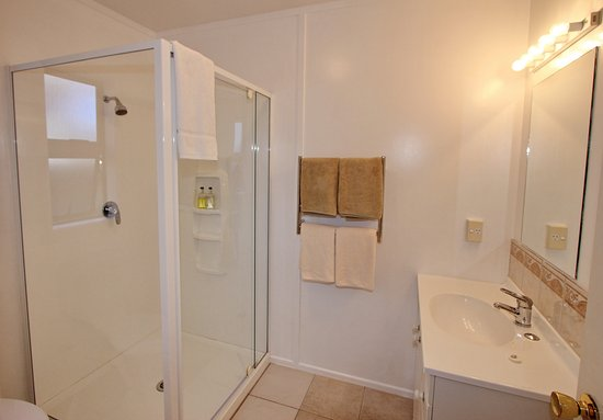 Blue Marlin Apartments: Unit 9 - Bathroom