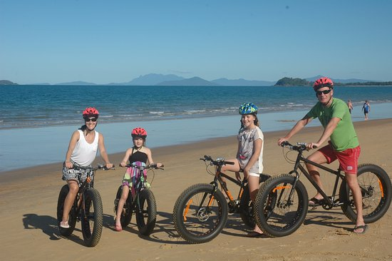 Beachcomber Coconut Holiday Park: Hire beach bikes