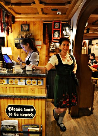 Andreas Keller Restaurant: Greeted by this hostess